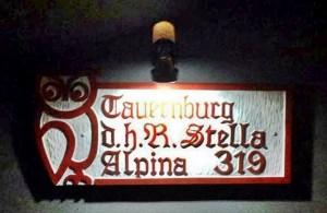 Eingangsportal der Stella Alpina 319